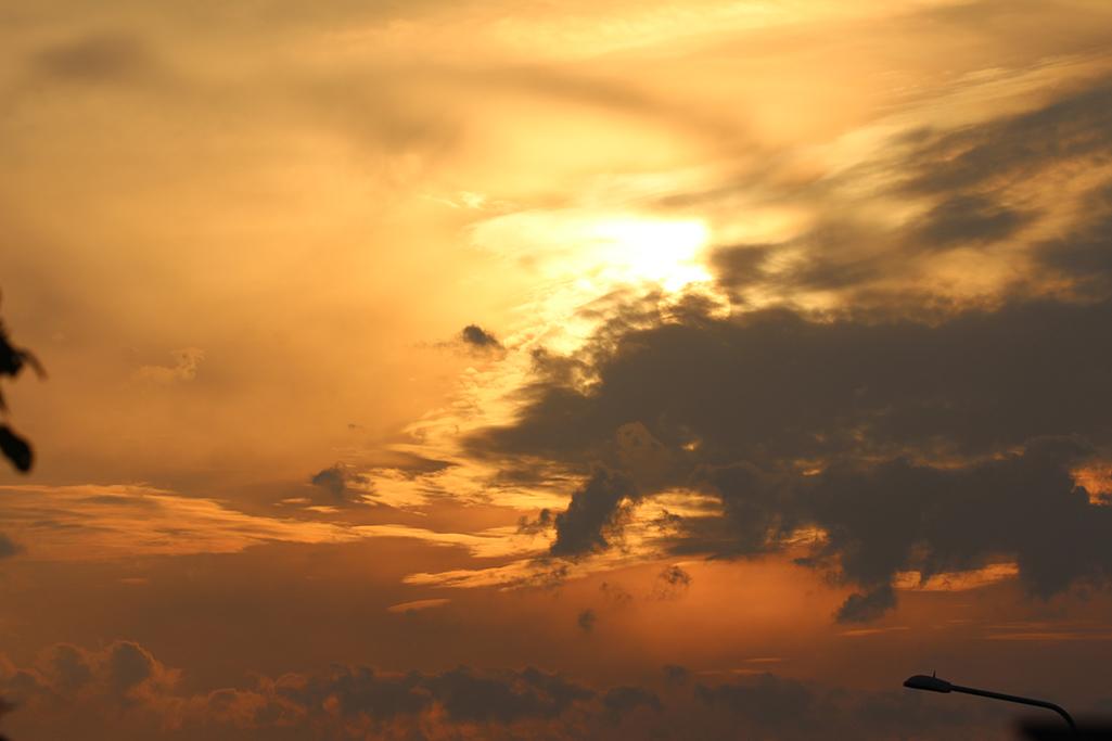Spelen tot zonsondergang met dit weer, heerlijk...